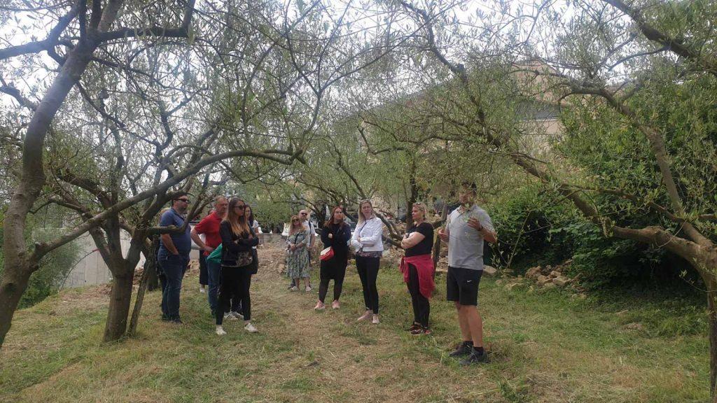 Poziv na a 1. organizirano edukativno-ekološko druženje 29. 5. 2021, s početkom u 10 sati, u Livade (ispod pergole kod konobe Dorijana)